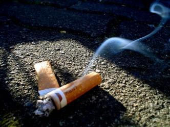 Bitucas de cigarro podem ser reaproveitadas para armazenar energia